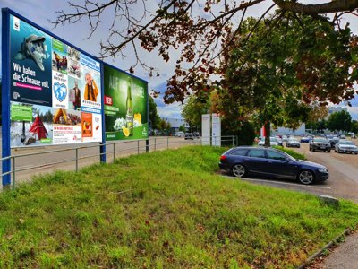 Wernerwerkstr. - gg. Puricellistr. Sicht Infineon Parkplatz