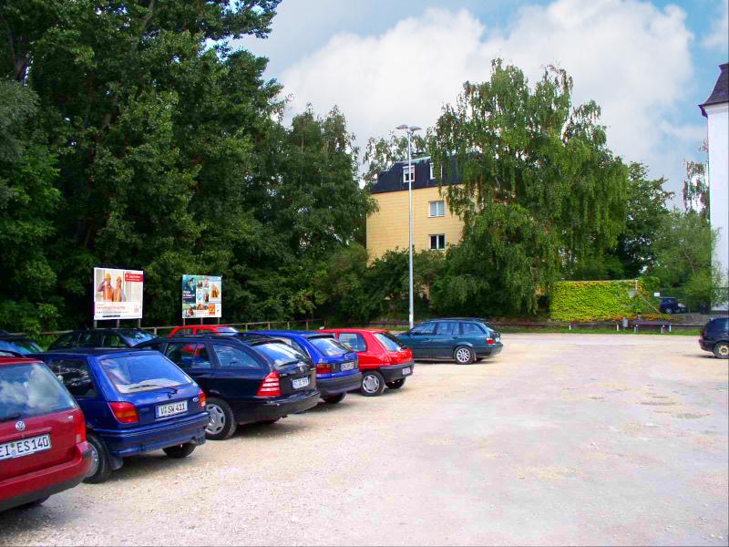 Wöhrdstr. - Parkplatz - Ostseite